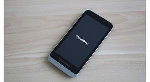 BlackBerry_Z5.jpg.pagespeed.ce.aiT1K1Shr1